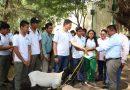 Entregó Dávila animales de granja en el CBTF 03 de Tuxtepec