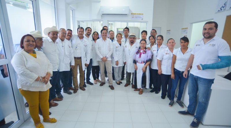 Gobernador Cuitláhuac García pone en marcha nuevo Centro de Salud, en Atzalan
