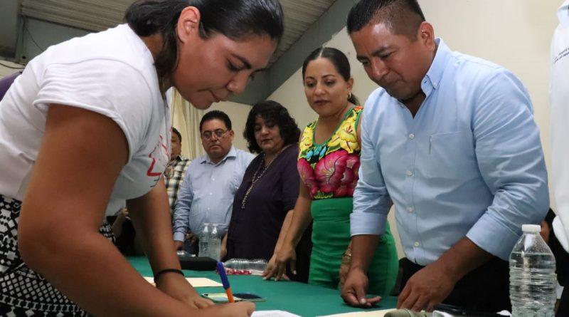 Firman convenio autoridades educativas y municipales para obras 2019 en Tuxtepec