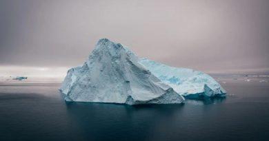 Gran iceberg se desprende en la Antártida