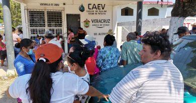 Toman oficinas de CAEV en Ciudad Alemán por falta de agua
